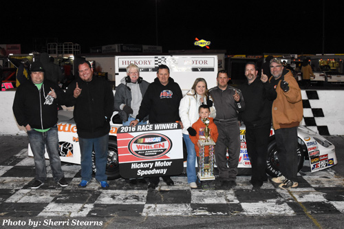 dexter canipe jr captures win paramount kia challenge race 3 on hickory news record nite paved track digest paved track digest